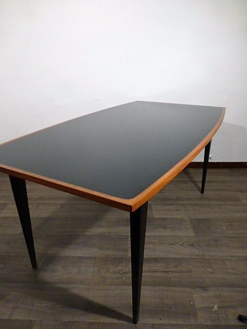 Table A Manger Vintage.Table A Manger Vintage Scandinave Modele Unique 1960