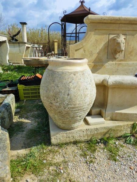 Paire de jarres de nimes en terre cuite xxeme siecle for Jarres terre cuite jardin
