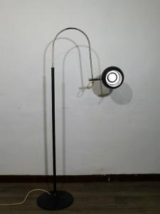 LAMPADAIRE ARC EYEBALL ORIENTABLE VINTAGE. 1970