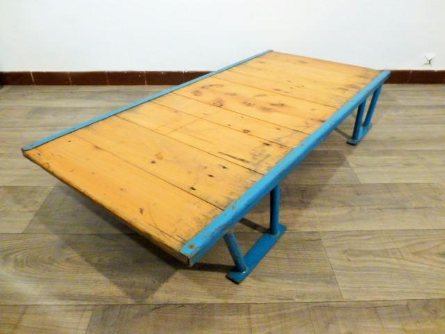 Table basse industrielle palette usine 1950 - Table basse palette industrielle vintage ...