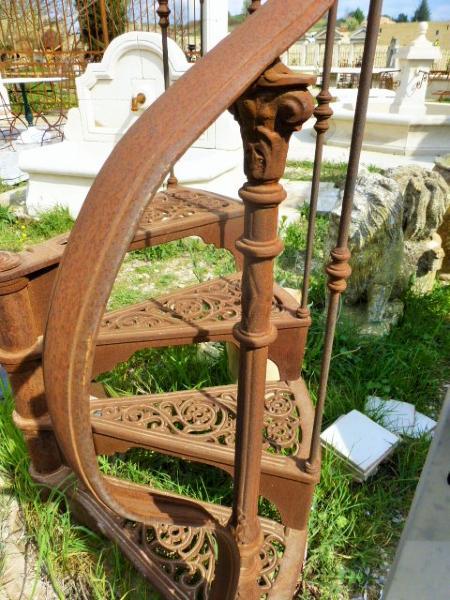 Rare escalier en fer forge debut xxeme siecle for Escalier en fer forge