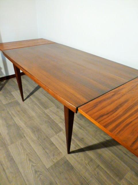 Grande table scandinave en teck avec rallonges 1960 Table scandinave avec rallonge