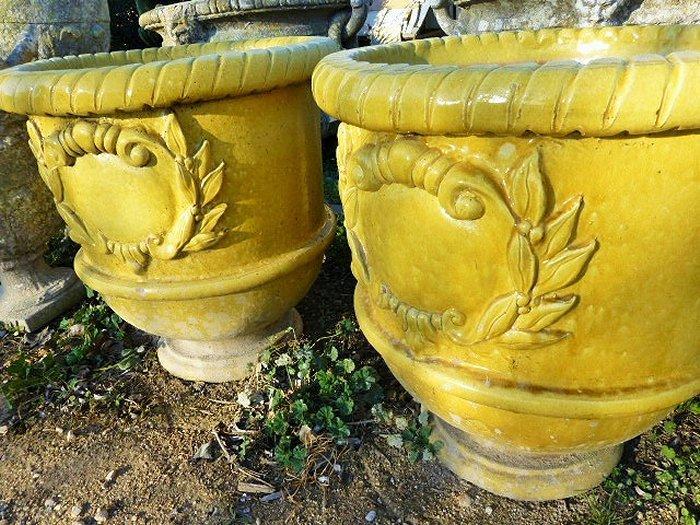 Jarre provencale emaillee for Jarres terre cuite jardin