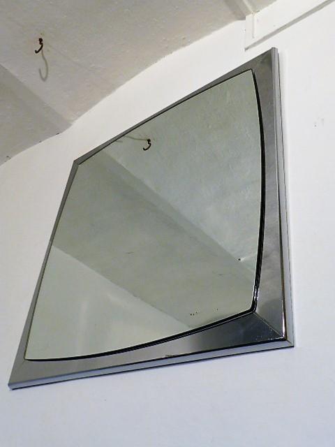 Grand miroir arrondi vintage chrome 1970 for Miroir arrondi