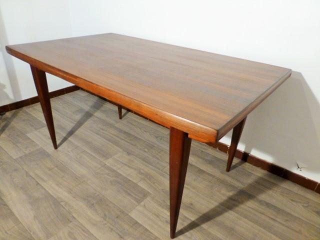 Grande table scandinave en teck avec rallonges 1960 for Table scandinave avec rallonge