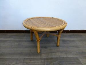 TABLE BASSE RONDE  EN BAMBOU VINTAGE. 1970