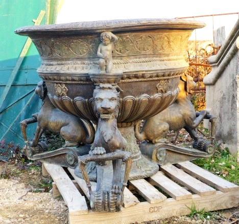 brasero en fonte et bronze style antique. Black Bedroom Furniture Sets. Home Design Ideas