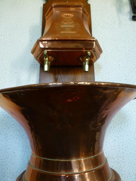 Belle fontaine d interieur en cuivre rouge 19 me siecle for Interieur 19eme siecle