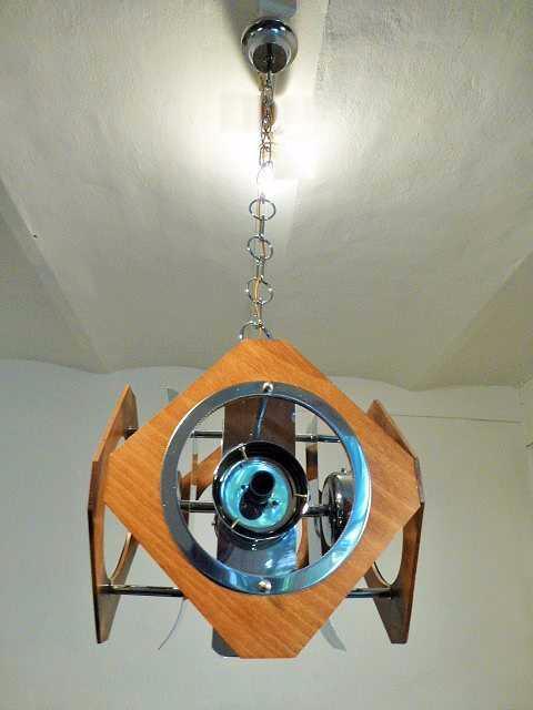 lustre scandinave en metal chrome et bois 1960. Black Bedroom Furniture Sets. Home Design Ideas