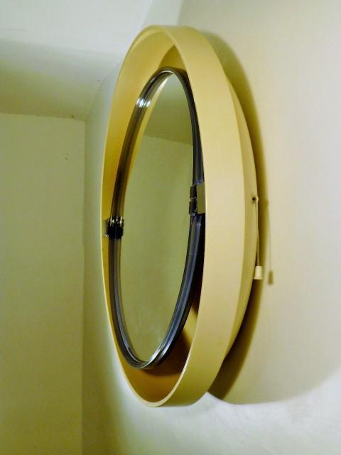 Miroir rond vintage avec lumiere 1970 for Miroir avec lumiere